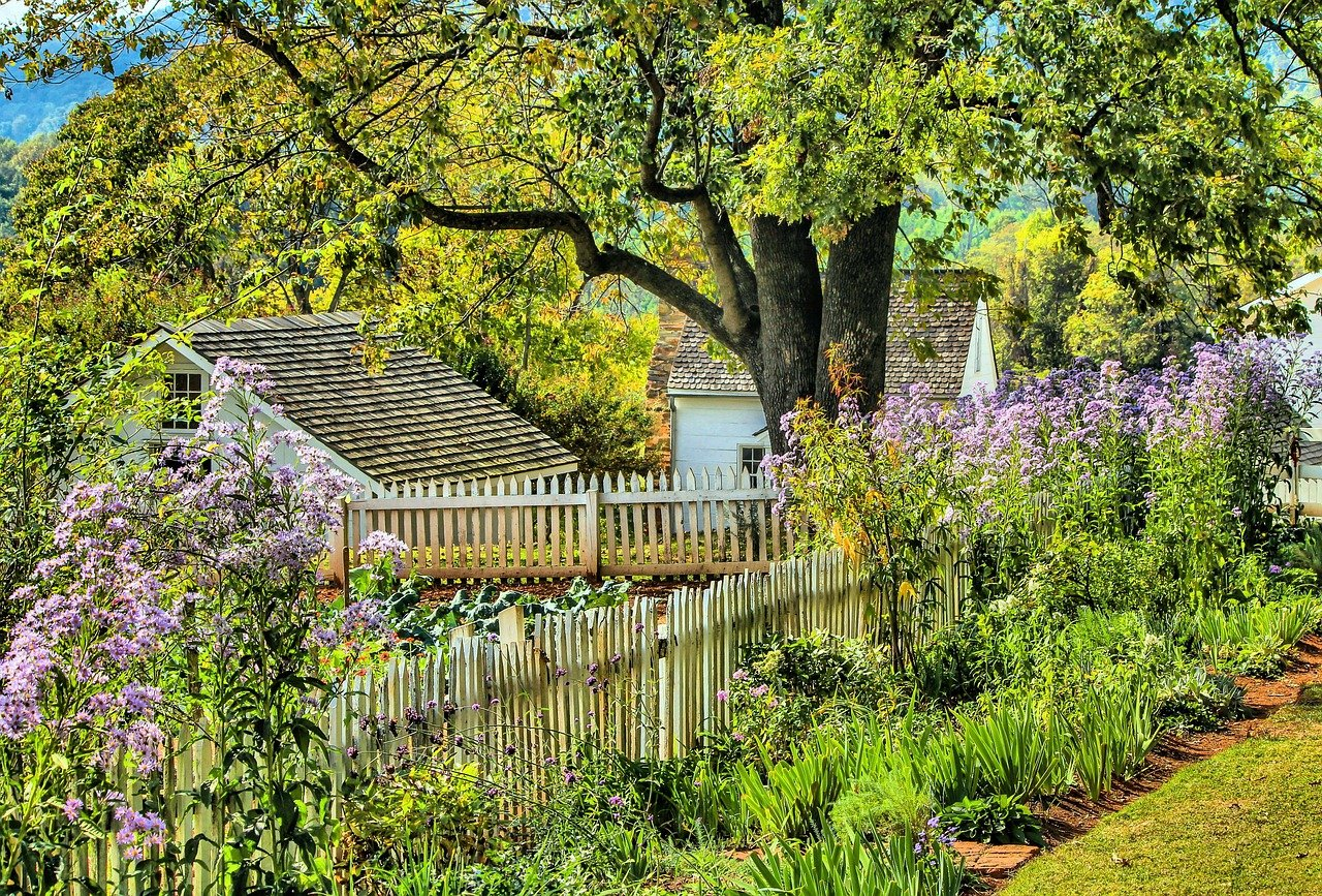 5 tips to get your garden up together for the autumn months