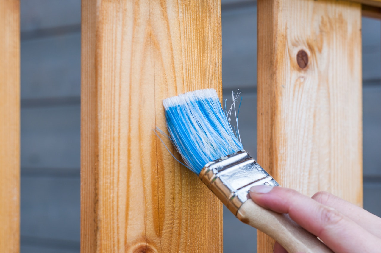 4 mistakes home DIYers commonly make when cleaning paint brushes